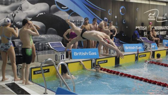 Live, latest and historical aquatics results